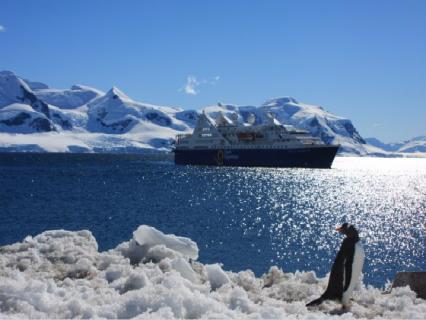 【海钻号】经典南极探索-南极大陆深度15日之旅(土航)